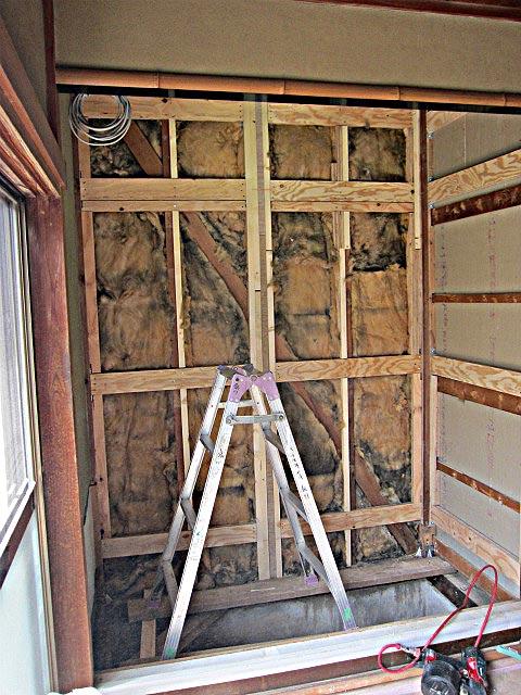 床の間の壁を撤去