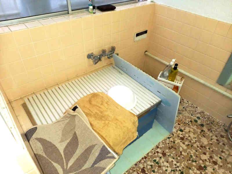 施工前の浴室②