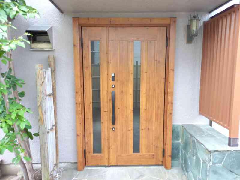施工後完成した玄関ドア